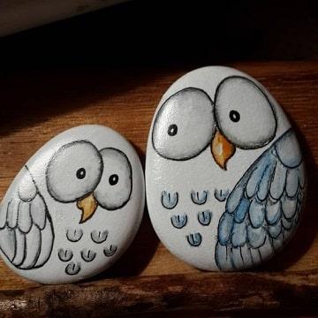 buhos pintados en piedras para regalar