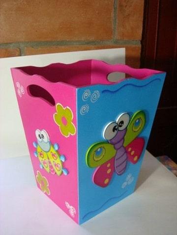 cajas de madera decoradas para bebes de colores