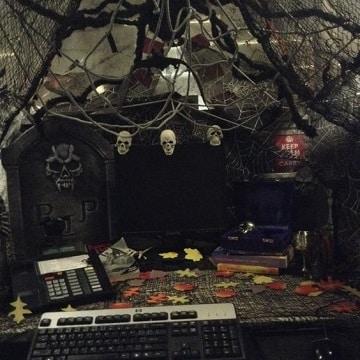 decoracion de halloween para oficina espeluznantes