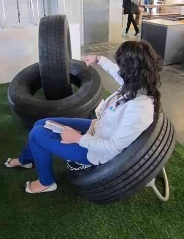muebles con llantas recicladas para interiores