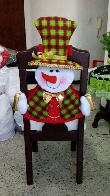 sillas decoradas para navidad muñeco de nieve