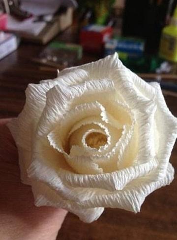 como hacer flores de papel pinocho blanca