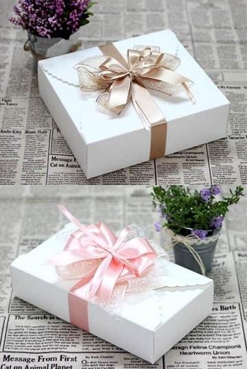 como hacer moños de tela para decorar en regalos