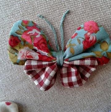 como hacer moños de tela para decorar mariposa