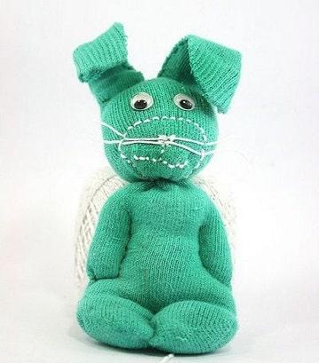 como hacer muñecos con calcetines para bebes
