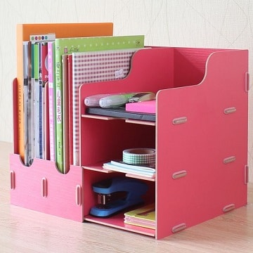 estantes con cajas de carton para la oficina