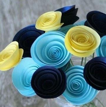 flores de papel cartulina para centro de mesa