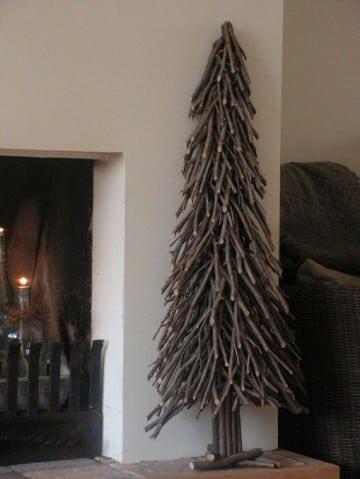 arboles de navidad hechos a mano con ramas