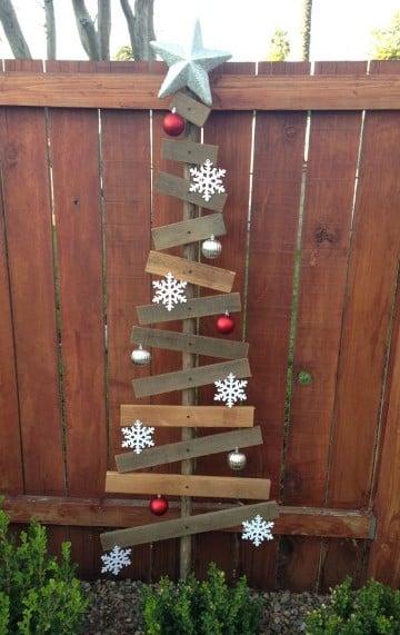 arboles de navidad hechos de madera sencillos