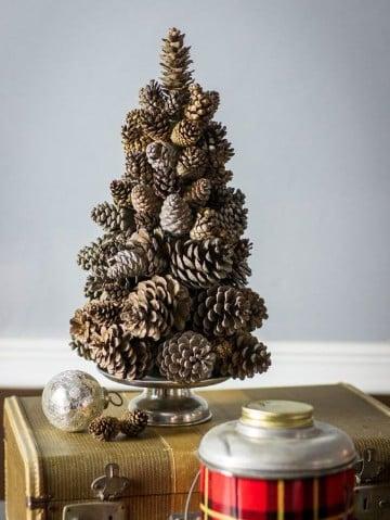 arboles navideños artesanales con pinos