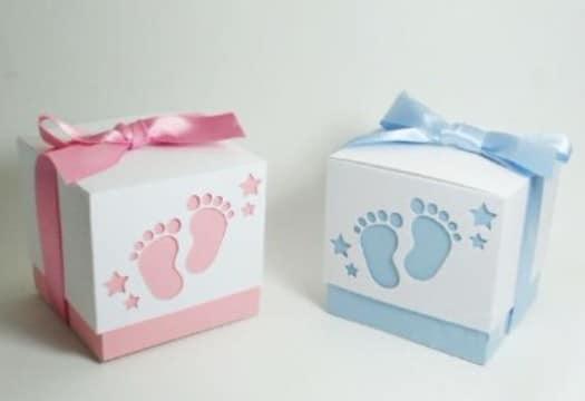 Unas cajas de carton decoradas para bebes con papel y tela - Cajas decoradas para bebes ...