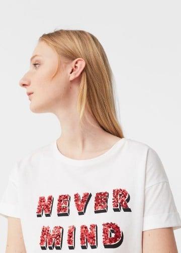 camisas decoradas con lentejuelas y letras