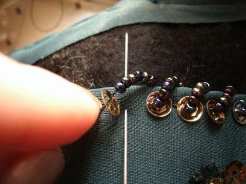 como coser lentejuelas sueltas en casa