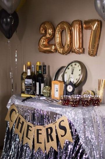 como decorar para año nuevo con globos