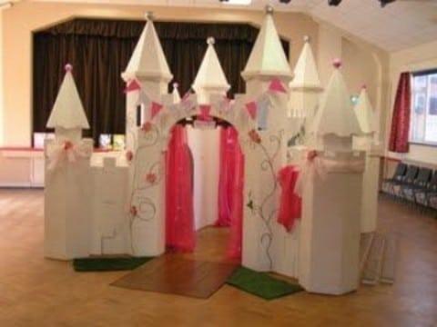como hacer un castillo de carton grande para niñas