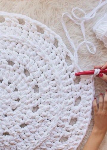 como hacer alfombras a mano tejido