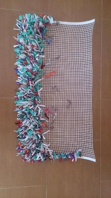 como hacer alfombras de nudos colores