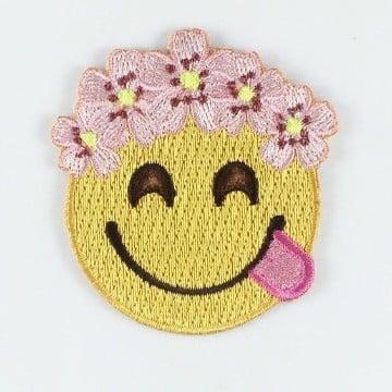 como hacer parches bordados de emoji