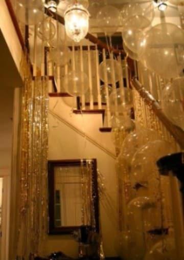 decoracion fiesta fin de año en casa con globos