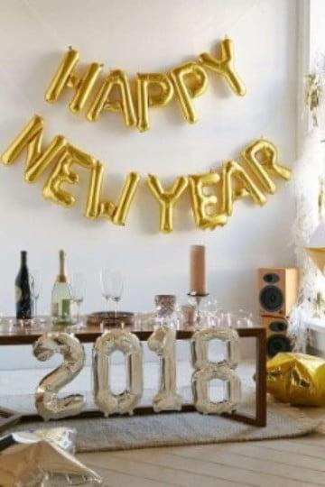 decoracion fiesta fin de año en casa en dorado