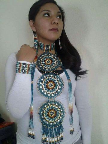 collares en mostacilla indigenas largo