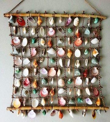 decoracion con caracoles de mar pintados