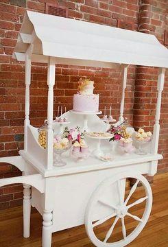 carrito de dulces para fiestas de madera