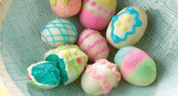 decoracion huevos de pascua con glase coloridos