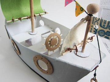 barcos hechos de carton a escala