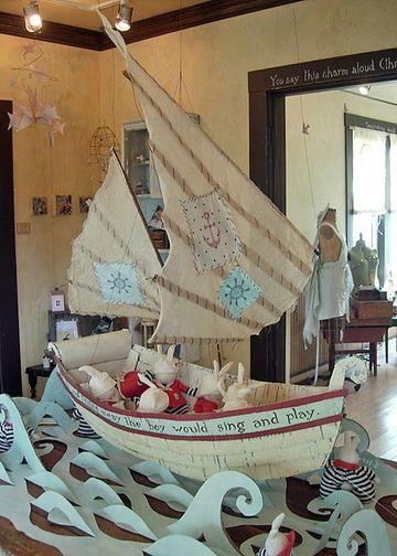 barcos hechos de carton para decorar