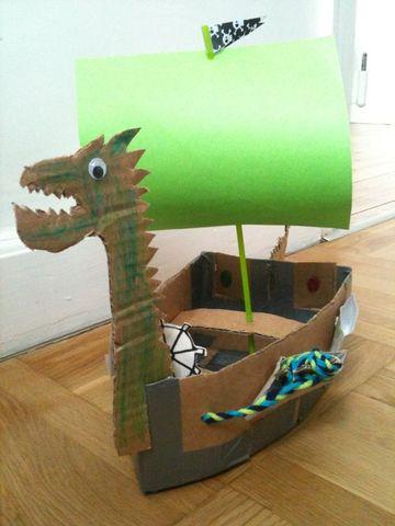 barcos hechos de carton para niños