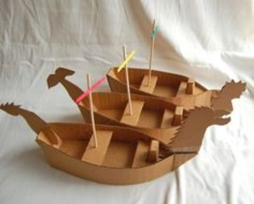 barcos hechos de carton pequeños
