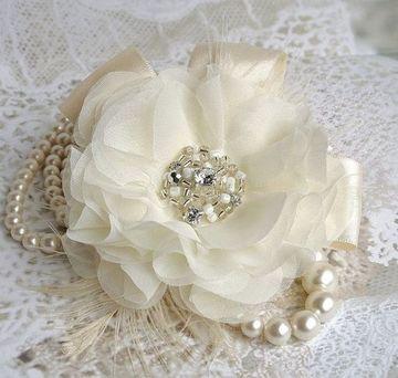 flores hechas con tela para bodas