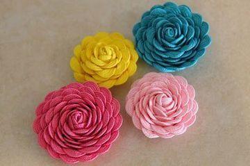 flores hechas con tela para niñas