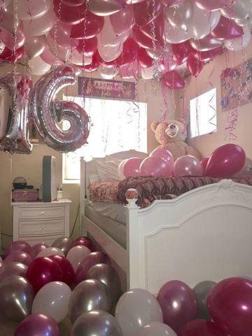 Detallistas adornos en habitaciones decoradas con globos for Cuartos decorados para una sorpresa
