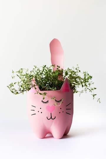 manualidades con potes de refresco para plantas