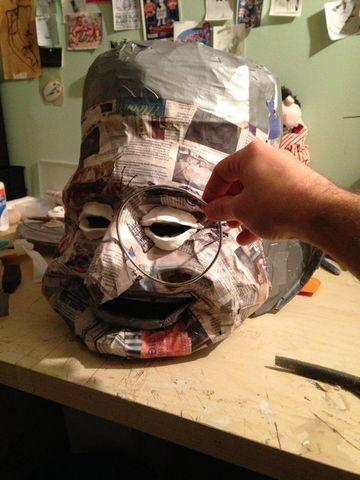 mascaras de papel periodico aterradoras