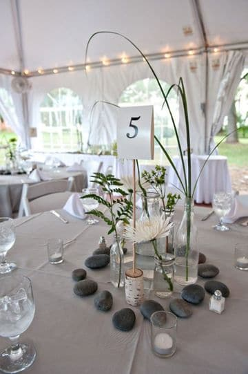 centros de mesa con piedras sencillo