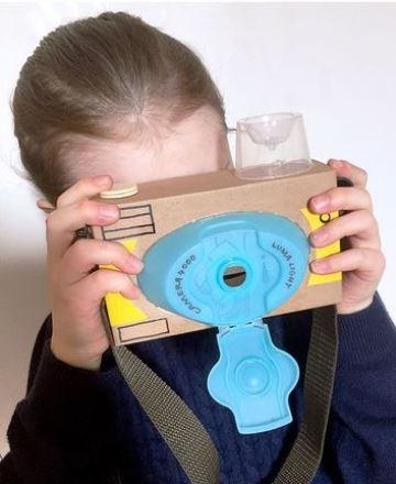 juguetes reciclados de carton y otros materiales