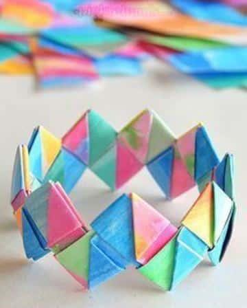 como hacer pulseras recicladas de papel