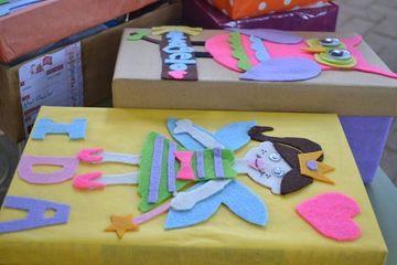 decorar cajas de carton infantiles en la escuela