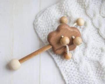juguetes de madera para bebes sonajero