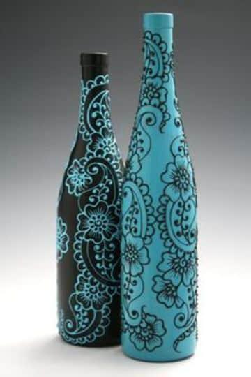 como hacer un florero reciclable con botellas de vino