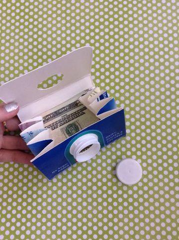 como hacer una billetera de papel con carton de leche