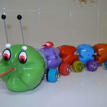 juguetes reciclados originales con botellas de plastico