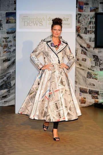 vestidos hechos con periodico de falda ancha