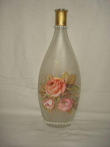 como hacer floreros con botellas vintage