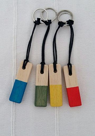 llaveros de madera pintados faciles de hacer