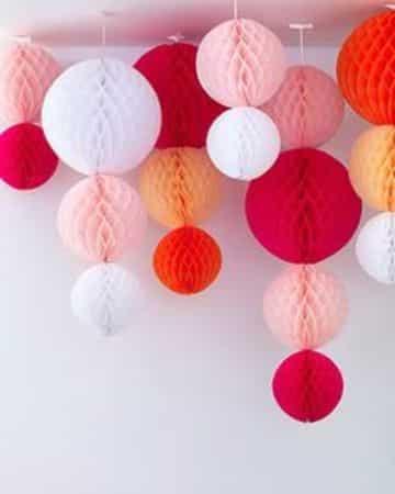 adornos colgantes para fiestas hechos de papel