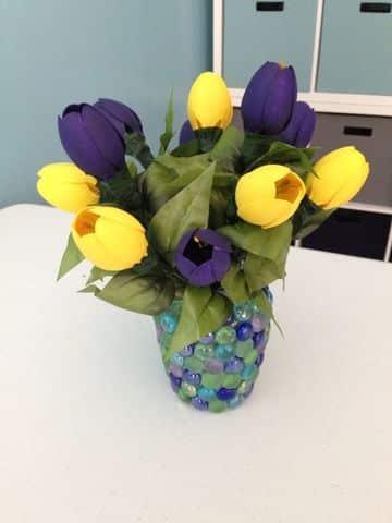 flores con cucharas de plastico para decorar